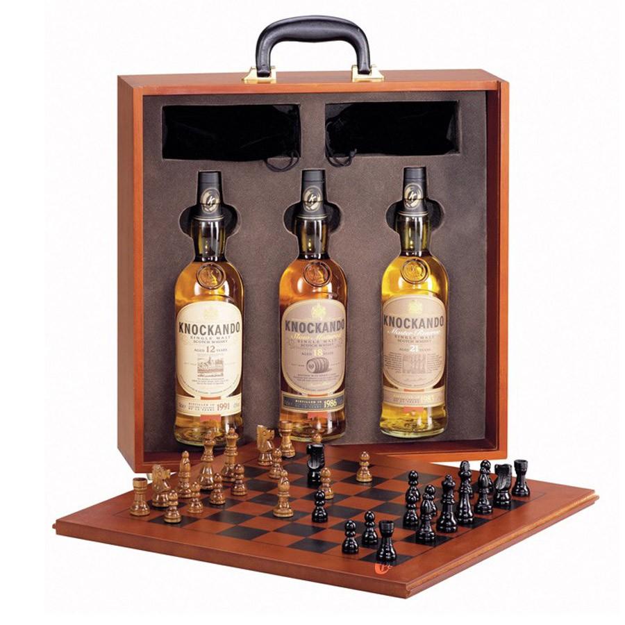 coffret whisky knockando valise echiquier avec 3 whiskies 43 boutique. Black Bedroom Furniture Sets. Home Design Ideas